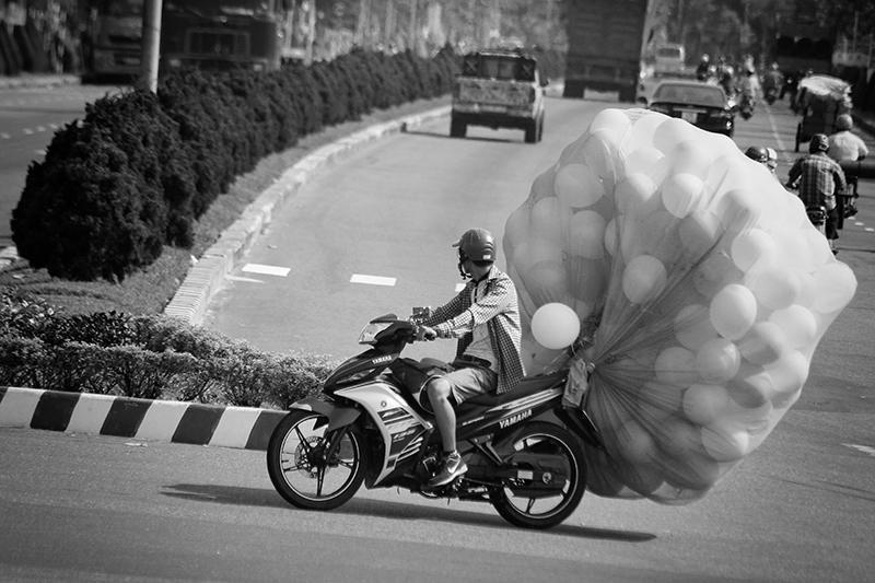 vietnam_motorroller-sw-_-c-sabine-karrer